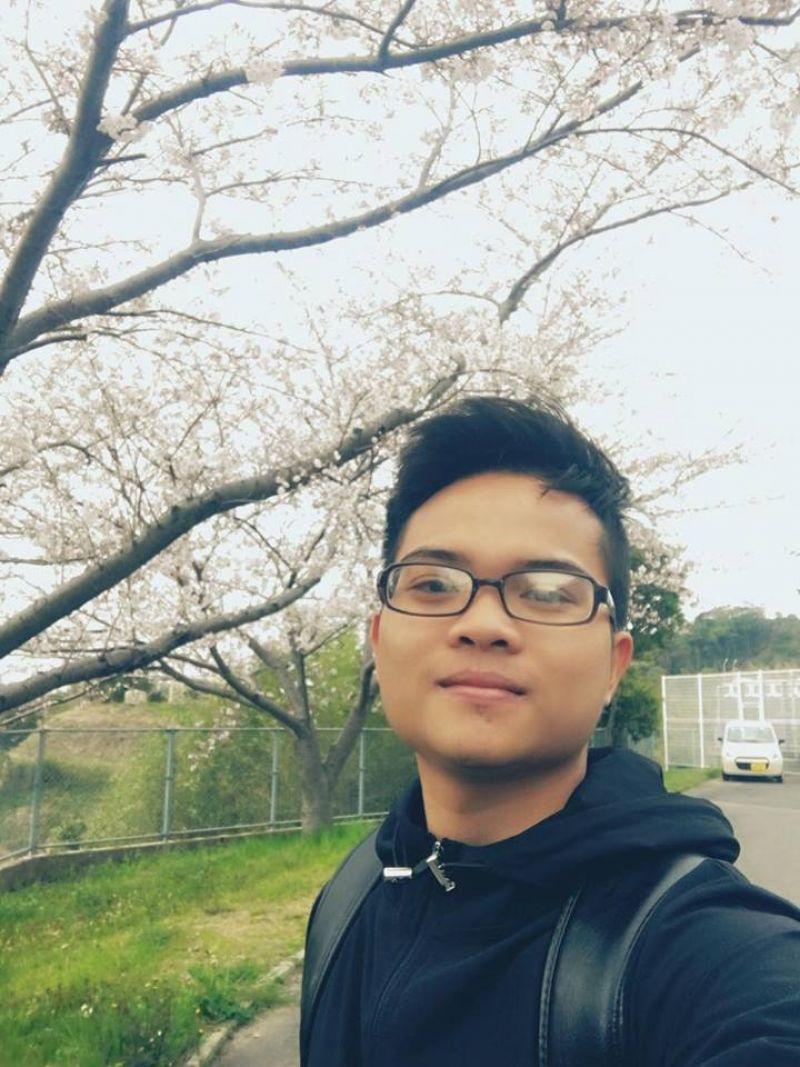 Một góc Đại học Ngoại ngữ Nagasaki vào mùa xuân