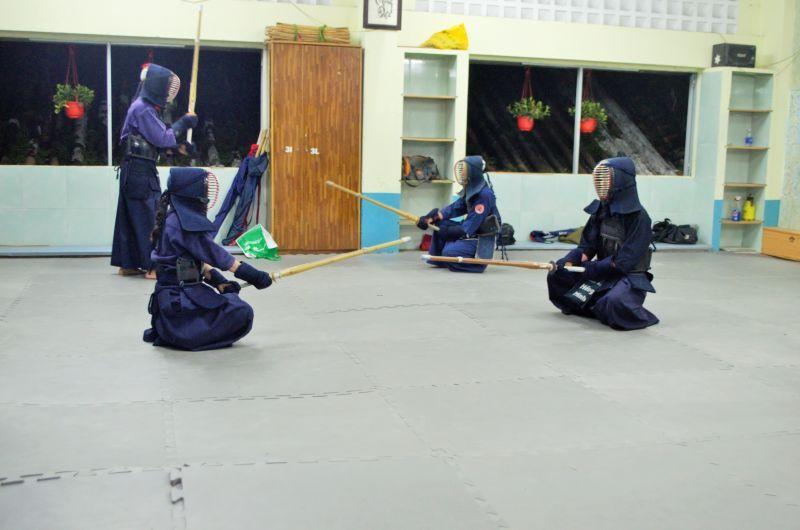 luyện tập võ Kendo