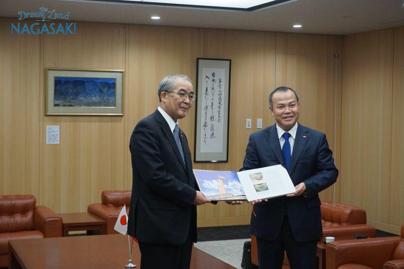 ヴー・ホン・ナム駐日ベトナム大使
