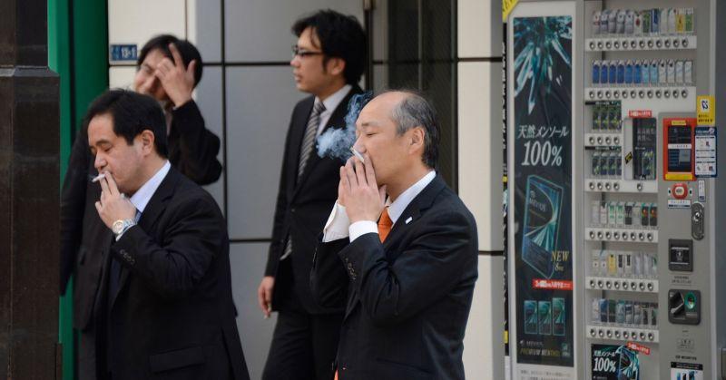 lượng người Nhật hút thuốc lá tương đối cao