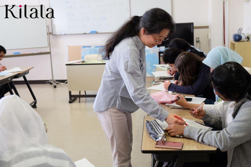 lớp học tiếng Nhật cho người nước ngoài