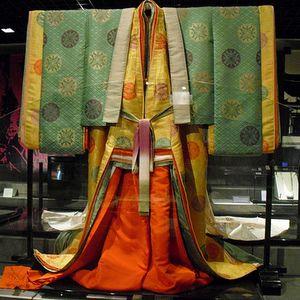 Triều phục Nhật Bản