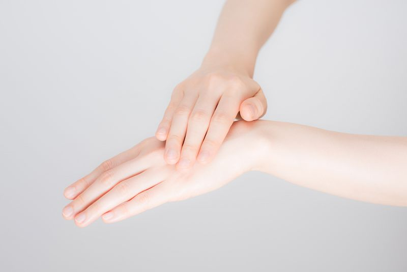 chăm sóc da tay với nguyên liệu tại nhà