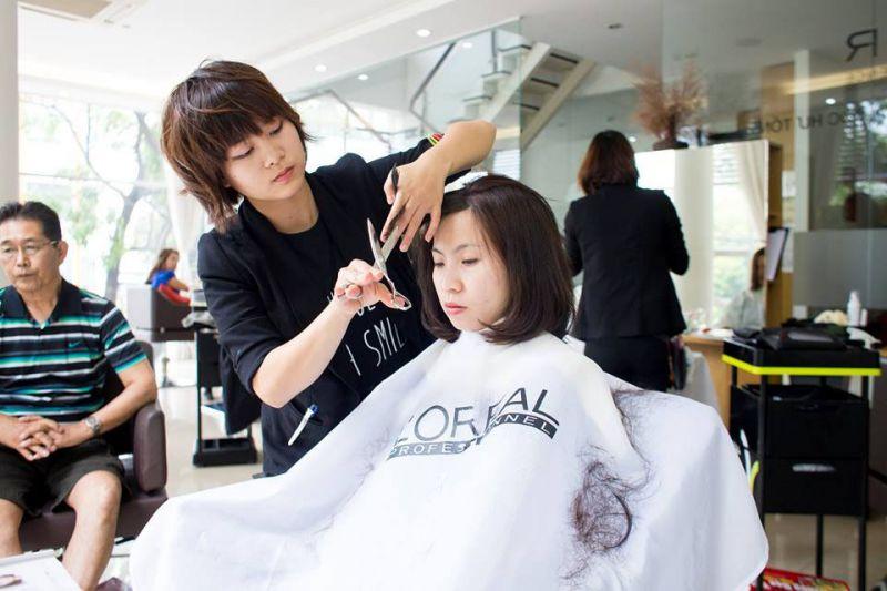 salon tóc J-First Tokyo