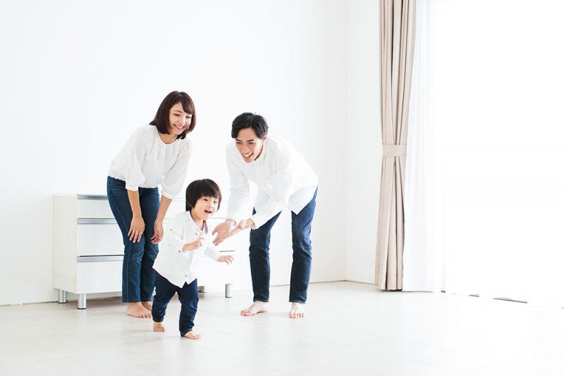 cha mẹ nên khích lệ con
