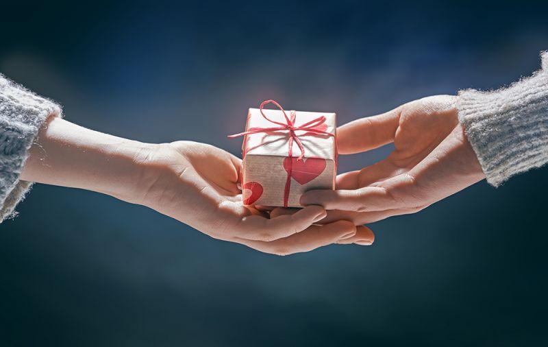 tặng quà trong ngày Valentine