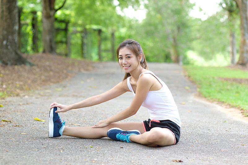 Khởi động kĩ trước khi chạy bộ