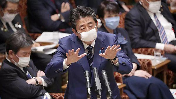 Nhật Bản phát 2 khẩu trang cho mỗi hộ gia đình