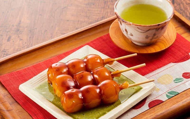 5 kết hợp độc lạ với bánh Mitarashi Dango kích thích vị giác của bạn