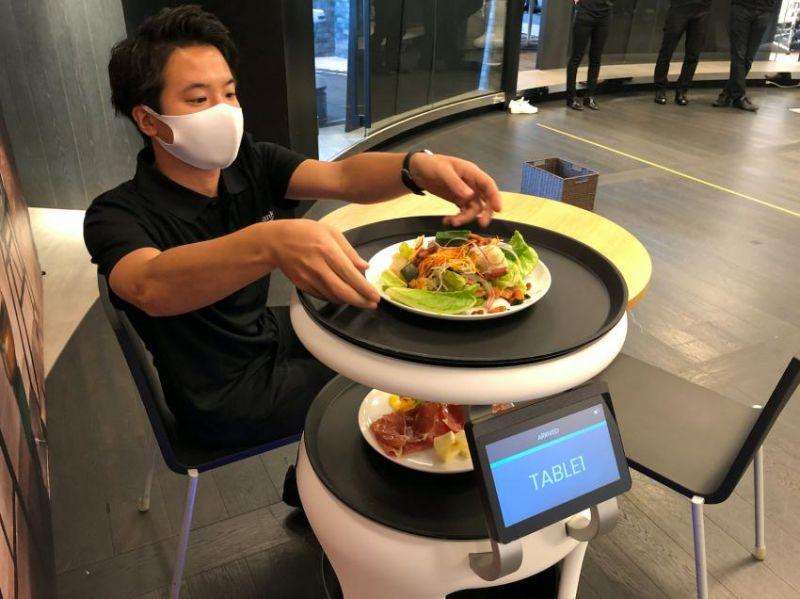 robot phục vụ bàn