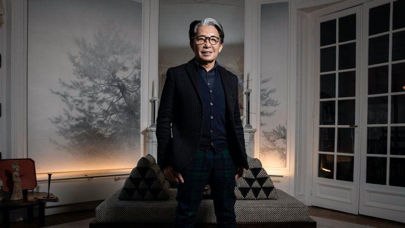 nhà sáng lập thương hiệu thời trang Kenzo qua đời vì COVID-19