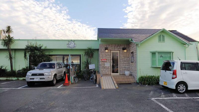 nhà vệ sinh thủy cung độc đáo tại tiệm cà phê Hipopo Papa