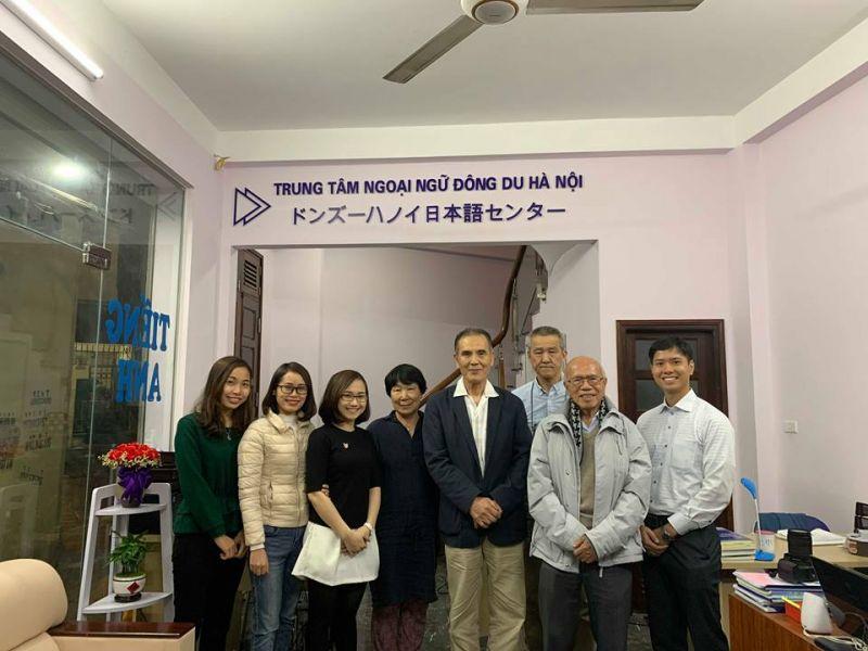 thầy Nguyễn Đức Hòe nhận Huân chương Mặt trời mọc của Chính phủ Nhật Bản