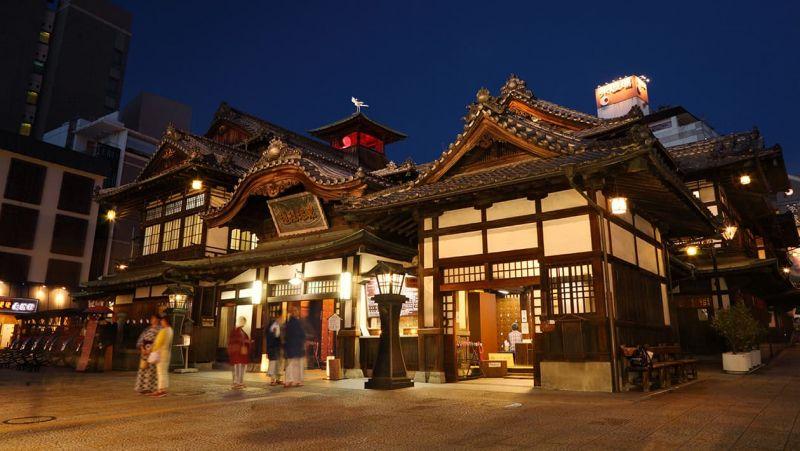 5 địa điểm ở Nhật Bản như bước ra từ Spirited Away