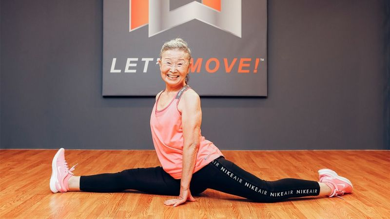 cụ bà người Nhật 90 tuổi vẫn làm huấn luyện viên thể dục